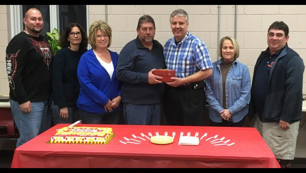 The Anna Community Consolidated School District No. 37 Board of Education recently honored Dale Foster for his service.   Foster served on the board of education from 2005 to 2017. From left are board members Craig Dillman, Elaine Ray, Tina Waller, Dale Foster, Grant Capel, Pam Needling and Dave Sullivan. Photo provided.