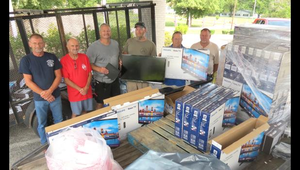 Representatives of Southern Illinois Elks Lodges were on hand last Saturday to install new TVs and DVDs at the Illinois Veterans Home in Anna. From left are Mike Hunter of Jonesboro, Ted Clendenin of Marion, Don Furman of Vienna, James Thorn of Makanda, Carter Lacy of Jonesboro and Bob Rongey of Marion. Craig Smith of Carbondale and Kevin Tucker of Jonesboro could not be present for the picture.