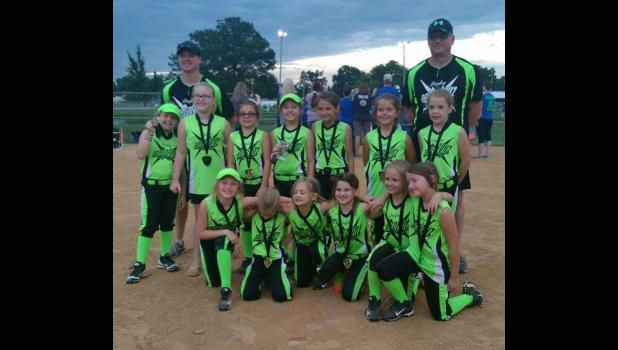 8U: Dazzling Dare Devils, first place.
